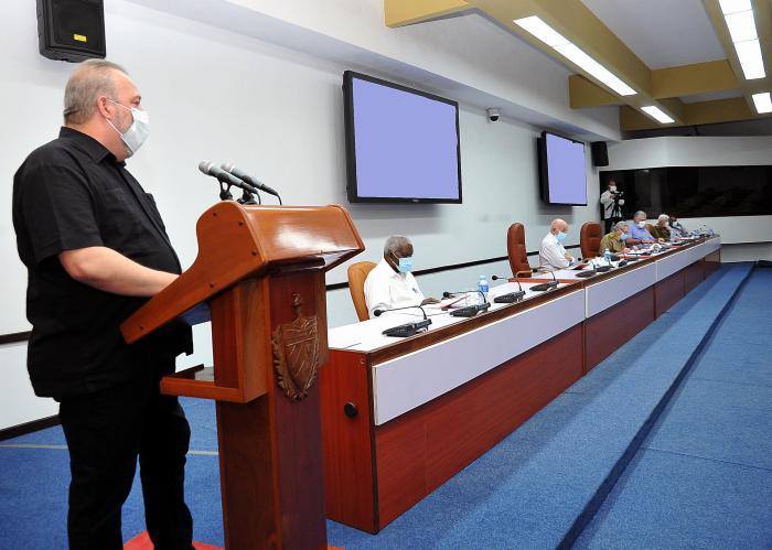Presidió Raúl reunión del Buró Político sobre la recuperación post Covid-19 en Cuba