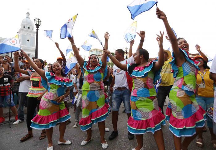 Delegacion de Bonaire en el 37 Festival del Caribe o Fiesta del Fuego, Santiago de Cuba.