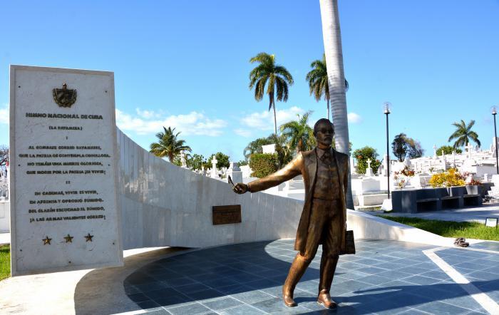 Cementerio Santa Ifigenia en Santiago de Cuba. Monumento a Perucho Figueredo