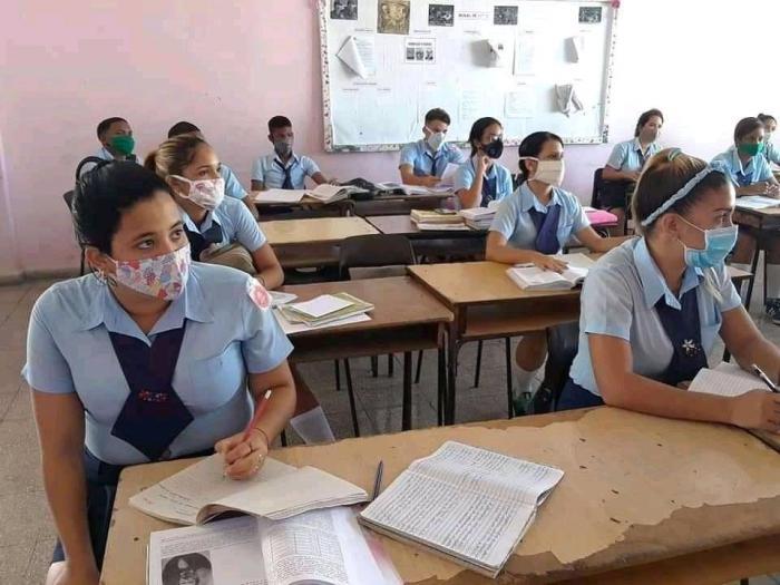 Educación Media Superior en Cuba prevé reinicio de actividades docentes en septiembre