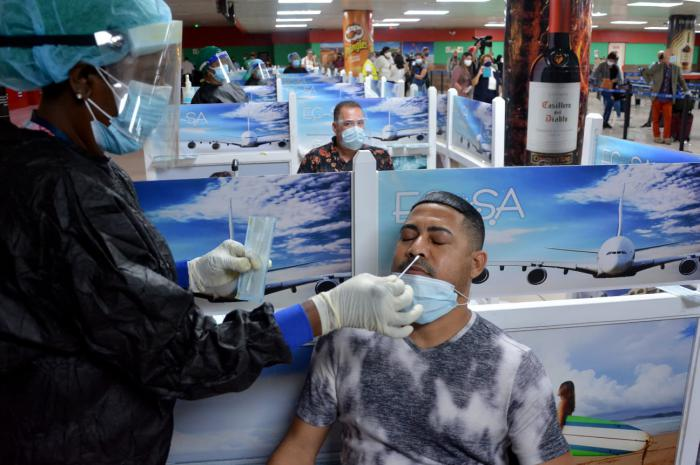 Cuba establece tasa sanitaria en aeropuertos, puertos y marinas