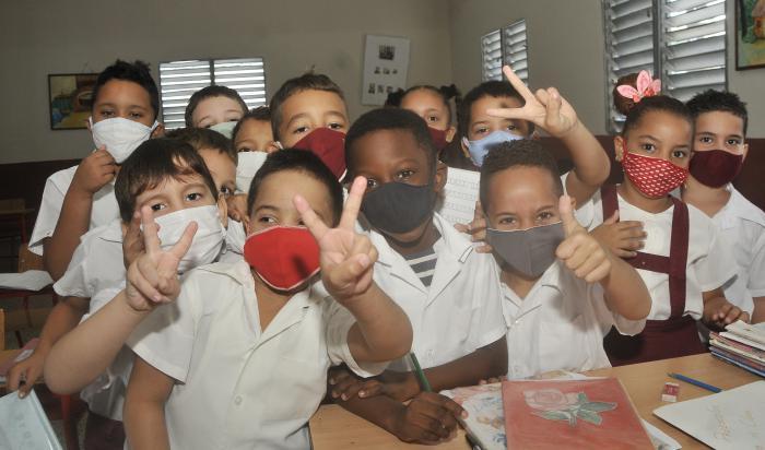Proteccion contra el coronavirus,Escuela Primaria Patricio Lumumba final de curso.