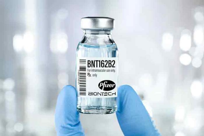 Autorizan acceso universal a vacuna Pfizer-BioNTech contra Covid-19