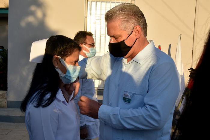 Díaz-Canel asiste a la celebración por quinto aniversario de la Clínica Internacional Siboney (+ Fotos)