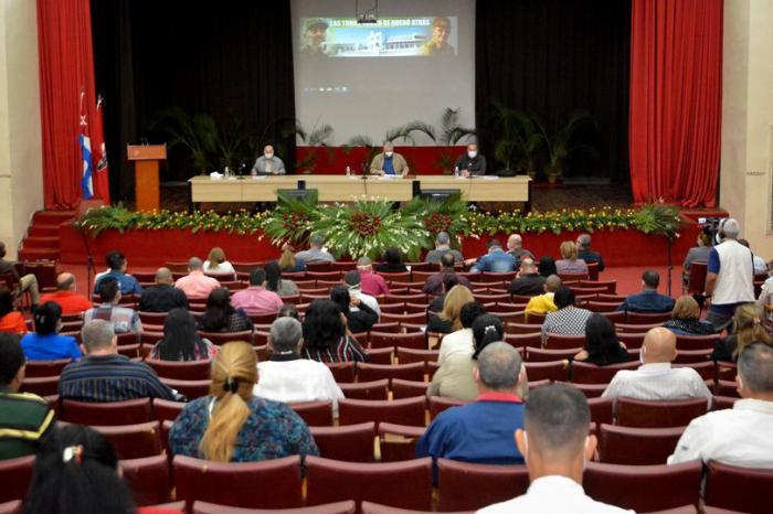 Encabeza Presidente cubano análisis de temas de impacto en Las Tunas