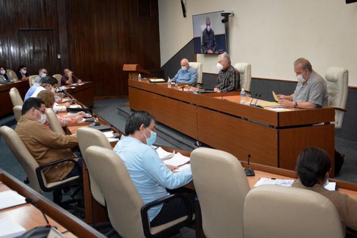 Díaz-Canel: el sistema productivo cubano tiene que ir hacia un desarrollo más sostenible