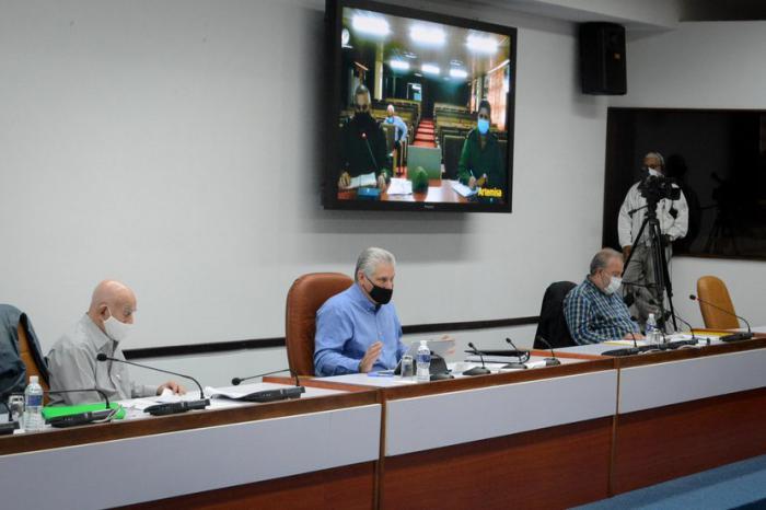 La reunión de este sábado del Grupo temporal del Gobierno para el enfrentamiento al nuevo coronavirus fue encabezada por el Presidente de la República, Miguel Díaz-Canel Bermúdez