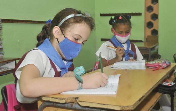 Proteccion contra el coronavirus, Escuela Primaria Pedro Domingo Murillo dentro dela Ciudad Libertad,escolares .