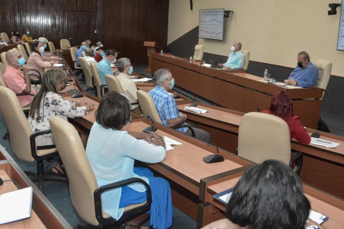 En la reunión, se expresó la preocupación por el exponencial aumento del número de afectados de la población pediátrica y la necesidad de proteger más a ese segmento. foto: Estudios Revolución