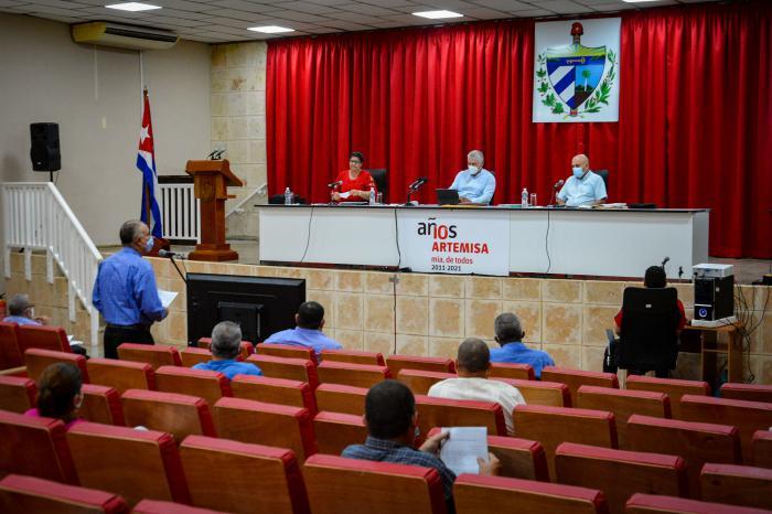 En Artemisa se evaluaron temas claves de la agenda territorial y los aportes de la organización partidista para el desarrollo de la provincia. foto: Estudios Revolución