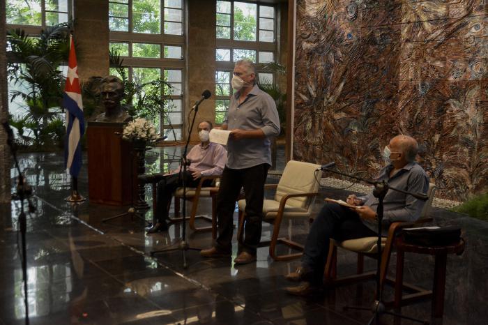 La batalla cultural y simbólica estuvo en el intercambio del Presidente con profesionales de los medios de comunicación. Foto: Estudios Revolución
