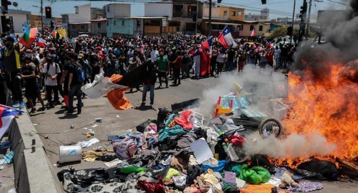 Defensores de los derehos humanos chilenos condenaron los actos xenófobos contra ciudadanos venezolanos en la urbe de Iquique, Chile