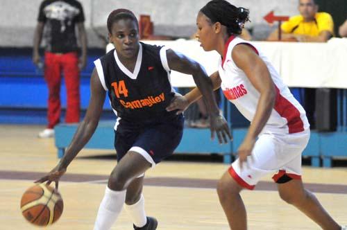 Camagüeyana Leydis Oquendo jugará en Liga Dominicana de Baloncesto