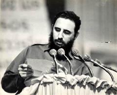 Fidel lee carta del Che