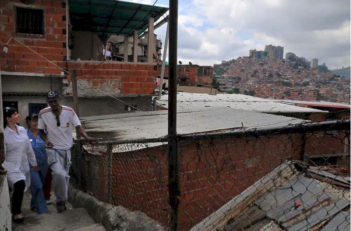 Barrio Adentro est le fruit de la coopération avec Cuba, dont les résultats se traduisent par des effets positifs dans l'amélioration de l'état santé de la population vénézuélienne.