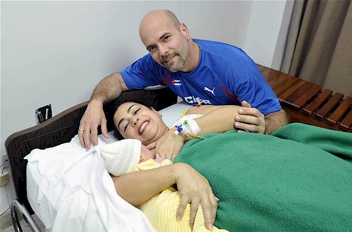 Nasceu Gema, a filha de Gerardo e Adriana