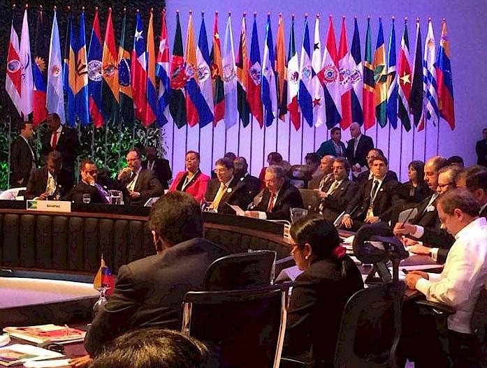 Raúl exige fim do bloqueio e respeito à soberania